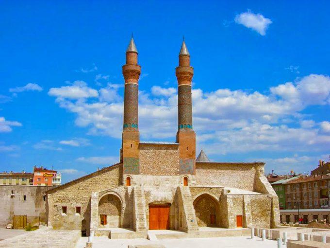 Sivas-cifte-minareli